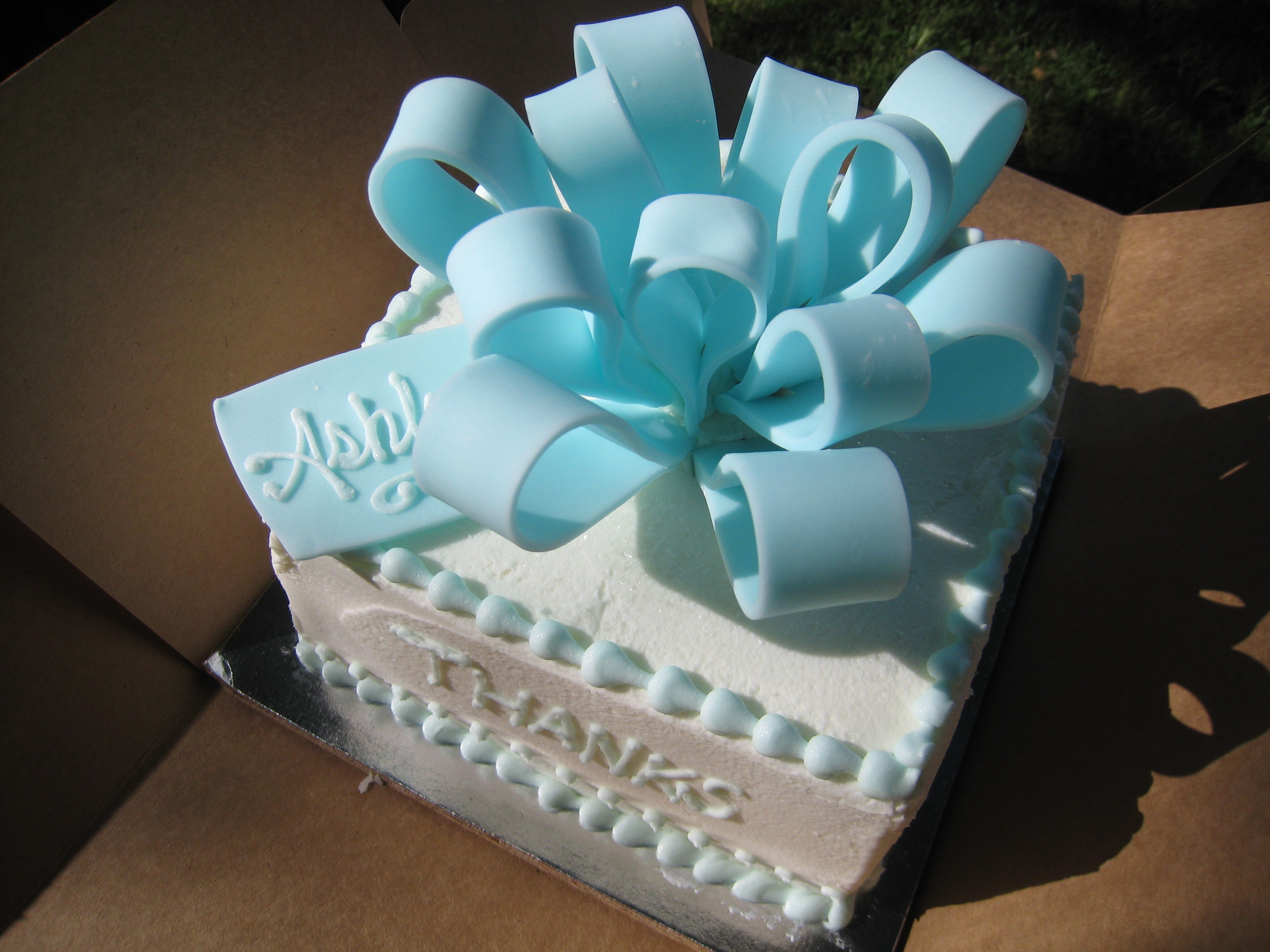 Cake Gift Images : A Great Day for a Gift Box Cake! Confectionery Cake Shop